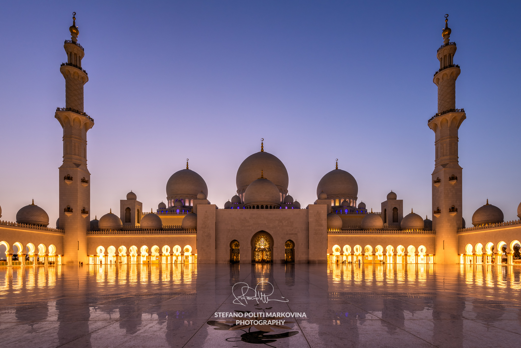 Photographing Sheikh Zayed Mosque